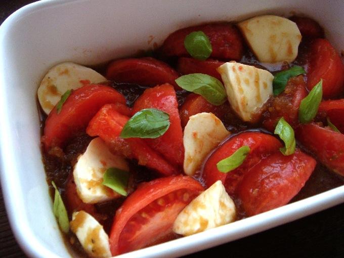 トマト モッツァレラ チーズ サラダ